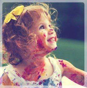 rozwój i wspmaganie zmysłów u niemowląt